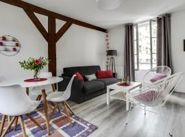 Fontainebleau Sweet Home