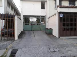 Apartamento/Vivienda Col. Escalón sobre 81 Av. Nte.