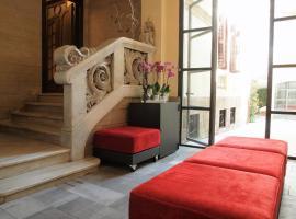 Hotel The Originals Le Palacete