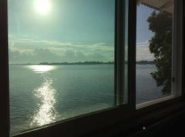 Hilo Bay Oceanfront Bed and Breakfast