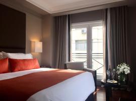 Carles Hotel