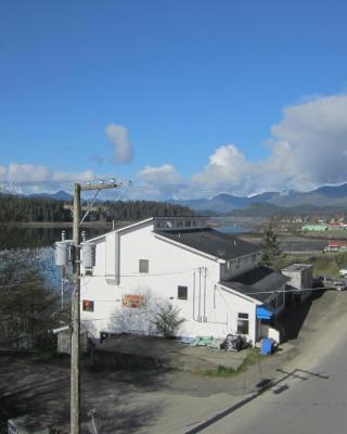 Misty Harbour Inn