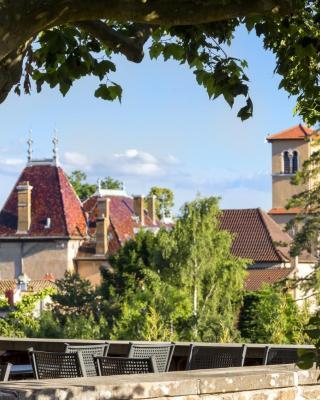 Hôtel le Savigny, Logis