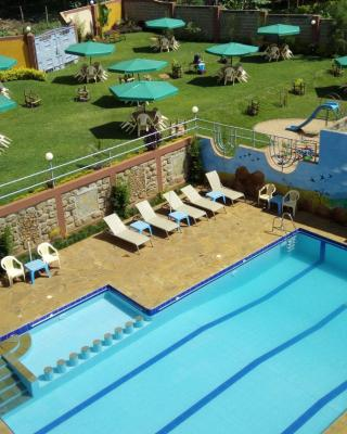 Palmdew Highlands Hotel