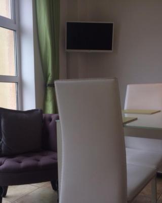 Deluxe Seaside Apartment
