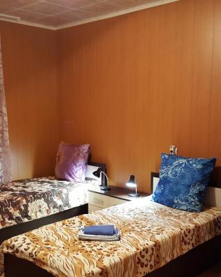Guesthouse on Metallurgov д.10-Б кв. N 1.