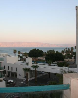 شقة بحر الجليل