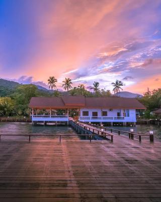 Goodview Seafood & Resort