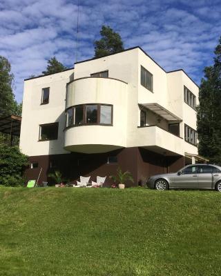 Villa Åhamra B&B