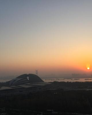 River View Apartment near Wuhan International Expo Center Subway Station