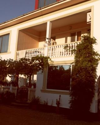 Guest House Los Angisa