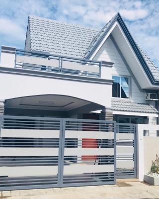 Hillary Timog Park Homes