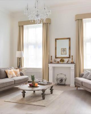 Chestnut & Eliza Suites - Superior Homes Downtown