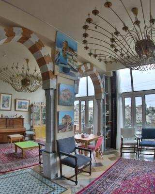 دماسك روز، بيت ضيافة لبناني
