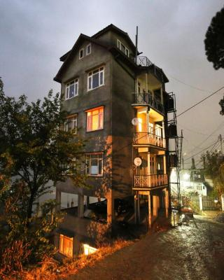Valley View Traditional 2BHK New Shimla