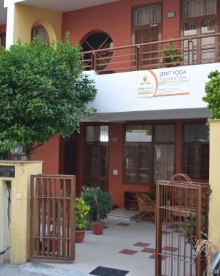 Raj Cottage Ganga Vatika