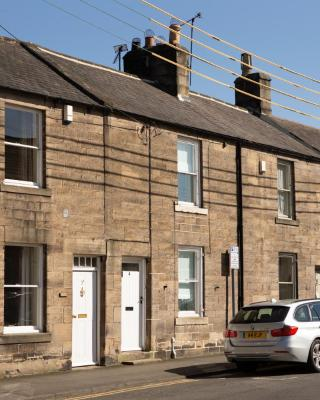 NEW: Charming Corbridge Cottage in Town Centre