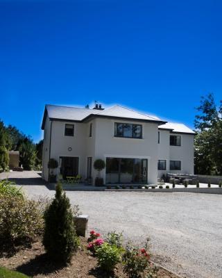 Inch View Lodge