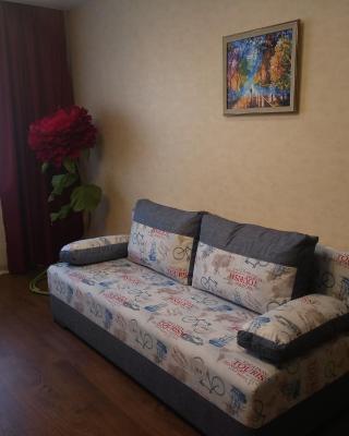 Apartment on Yarmarochnaya 10