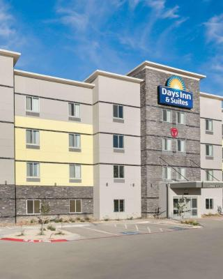 Days Inn & Suites by Wyndham Lubbock Medical Center