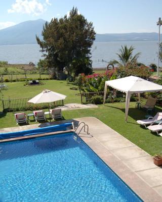 La Puerta Violeta Guesthouse & SPA
