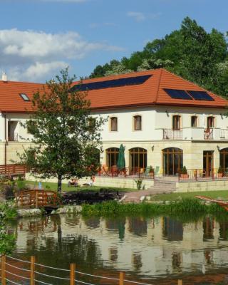Aranybánya Hotel