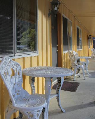 Redwood Suites