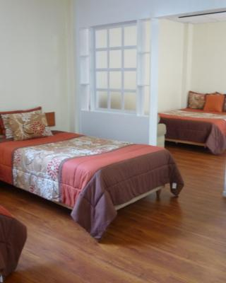 Hostal Mariscal Inn & Suites
