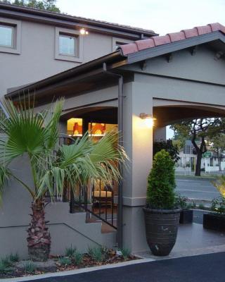 Terra Vive Luxury Suites & Apartments