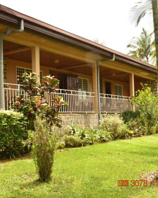 Zwinkels Guest House Bamenda