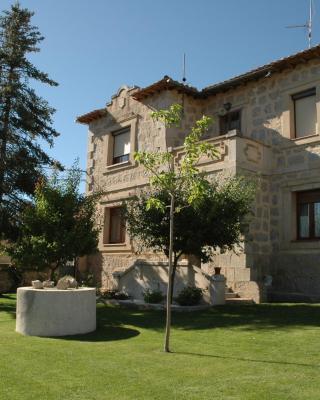 Casa Rural Reposo de Afanes (España Muñogalindo) - Booking.com