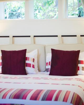 Paradiso Guesthouse & Self-catering Cottage