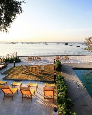 Balcony Seaside Sriracha Hotel & Serviced Apartments