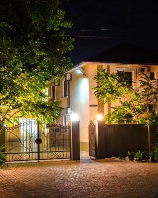 Guest House Primorsky 11