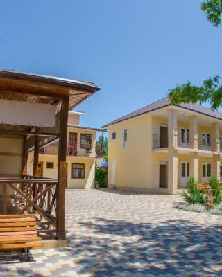 Guest House Primorskaya 25