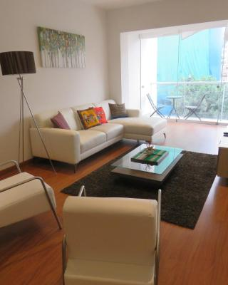 Spacious Apartment in Miraflores