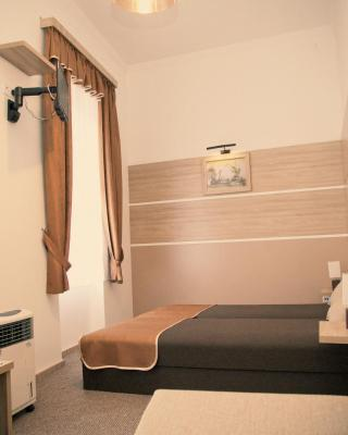 Hajdu Hotel