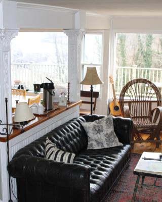 Ledge House Bed & Breakfast