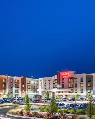 Hampton Inn & Suites - Napa, CA