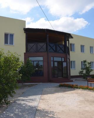 Leto-Arabatka Resort