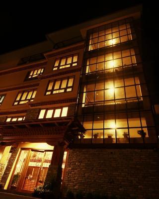 Hotel Tarayana Grand