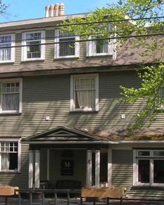 Monroe House Executive Guest Suites