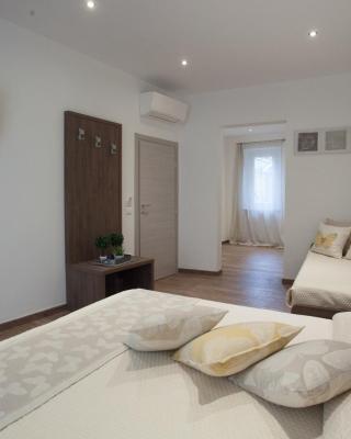 Magnifica Luxury Suites