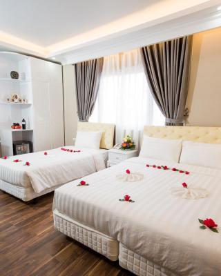 Little Hanoi Deluxe Hotel