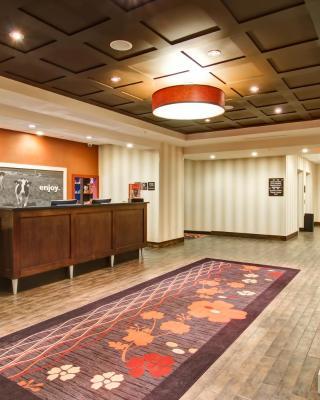 Hampton Inn & Suites Red Deer