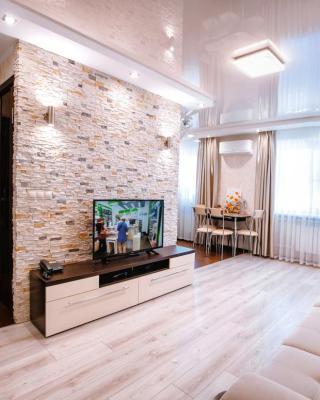 Apartment na Naberezhnoi 61