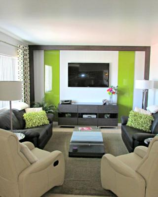 Modern Two-Bedroom Condo - Walk to Old Town Scottsdale