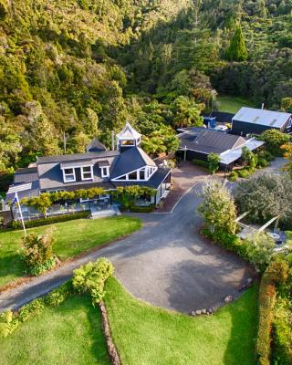 Wairua Lodge - Rainforest River Retreat