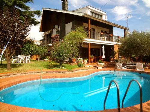 Villa Isaac Albeniz (Espanha Barberà del Vallès) - Booking.com