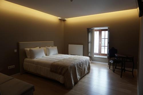 Feira Hostel & Suites